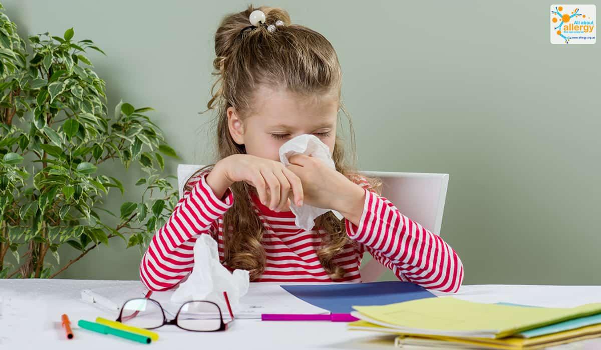 Алергія на цвітіння дерев у дитини симптоми